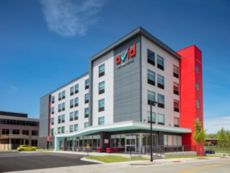 avid hotels Madison - Monona