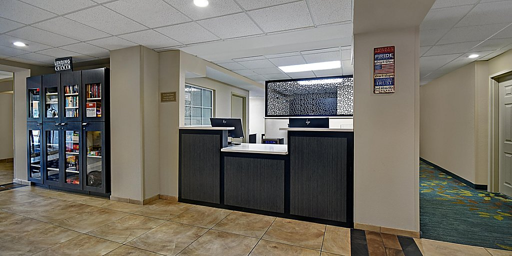 Hotels In Columbia Sc Near Williams Brice Candlewood Suites Columbia Ft Jackson