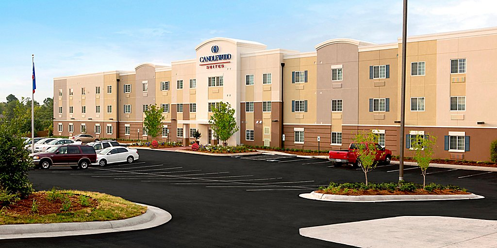 Christmas At The Warner Erie Pa 2020 Free Parking Candlewood Suites Erie