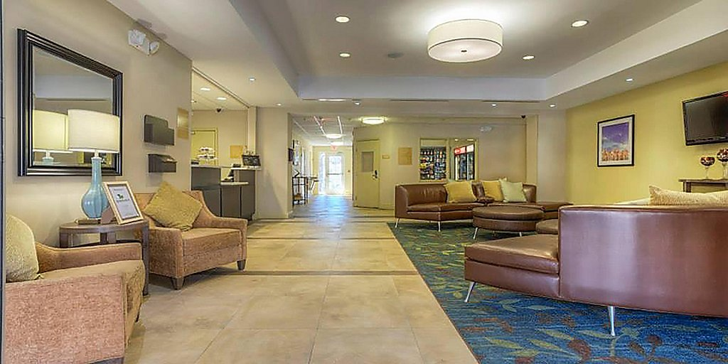 Nc Hotels Candlewood Suites Mooresville Lake Norman Extended Stay Hotel In Nc Mooresville