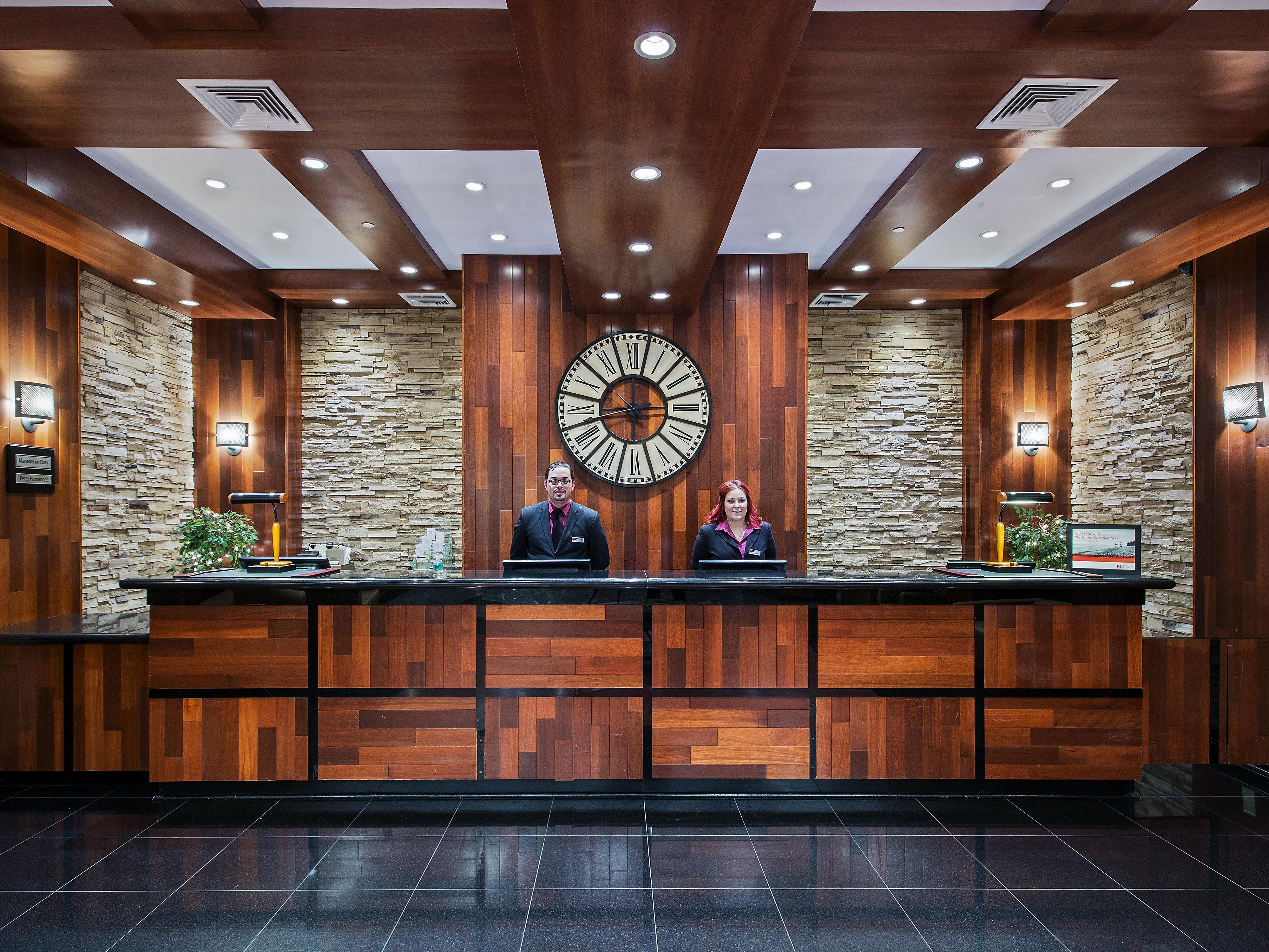 Newark Airport Hotels In Elizabeth Nj With Indoor Pools Crowne Plaza Newark Airport