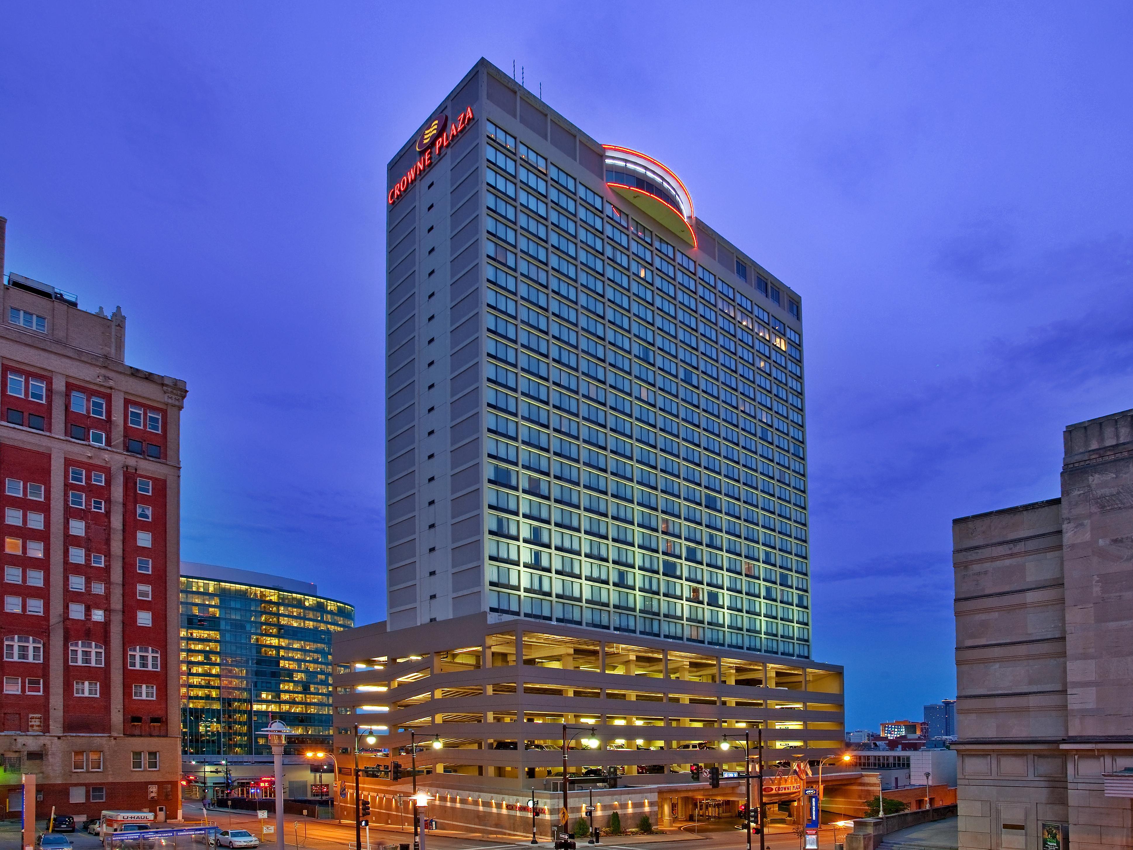 Kansas City Convention Center Hotels Crowne Plaza Kansas City Downtown