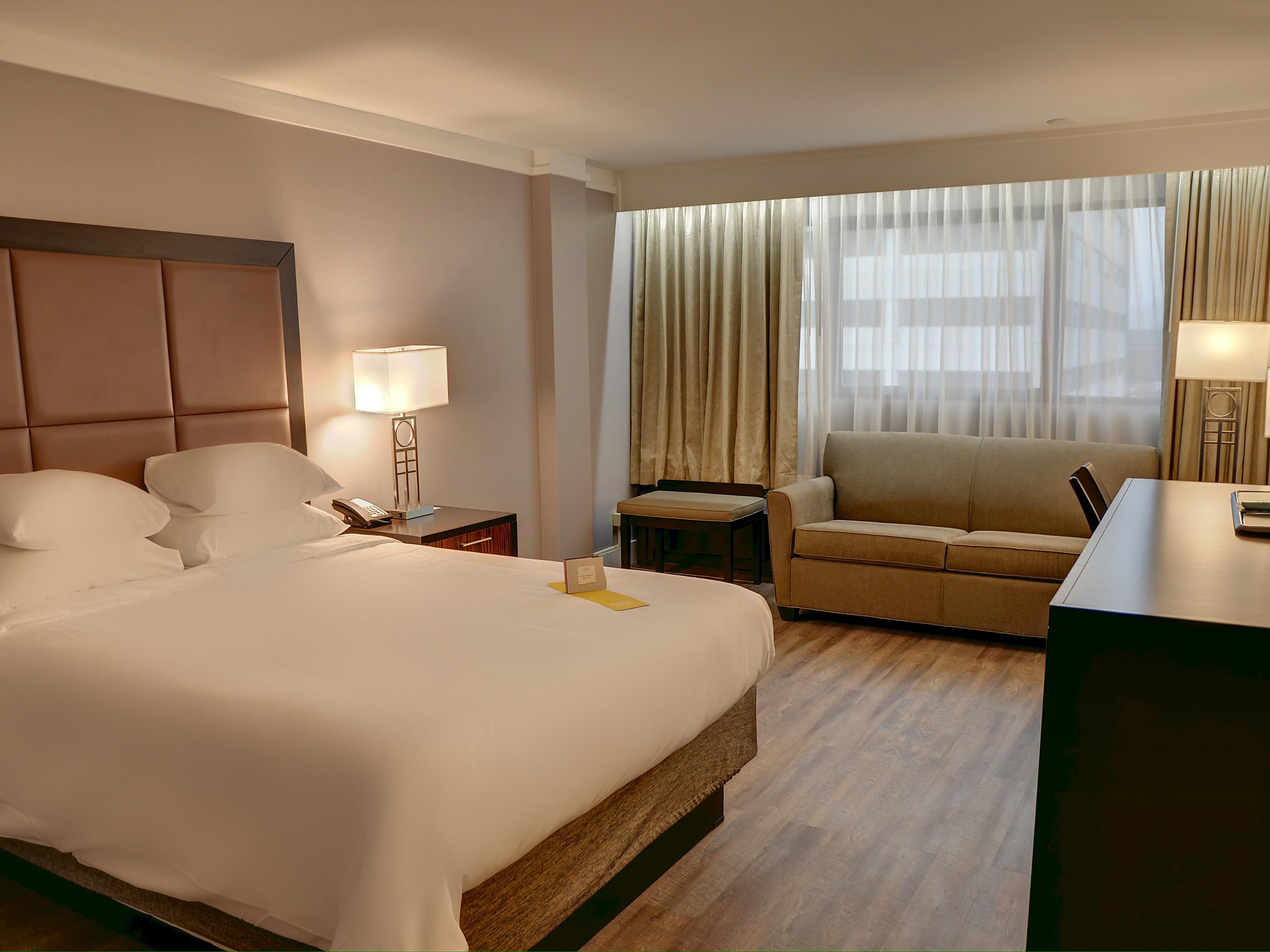 Hotels Near Knoxville Convention Center Crowne Plaza Knoxville Downtown University
