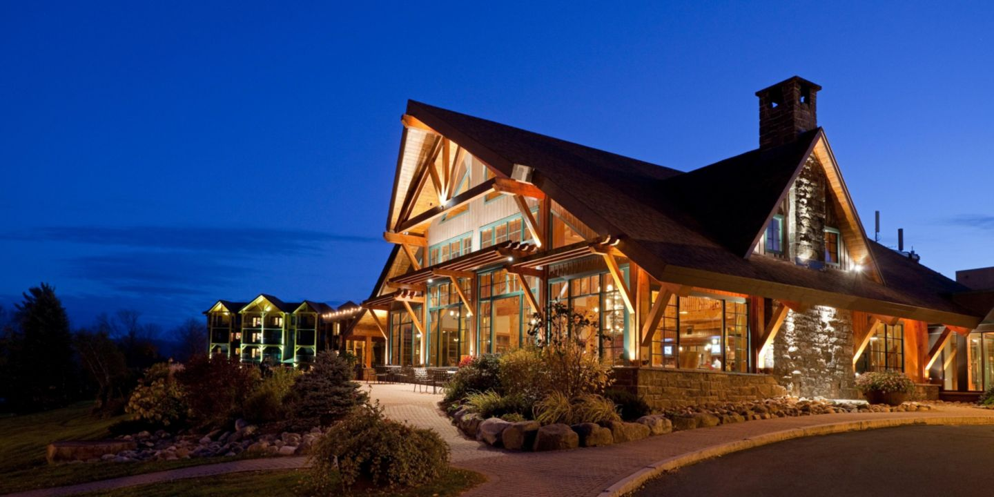 Lake Placid Hotels Serving Christmas Dinners, 2020 Lake Placid Pet Friendly Hotels in New York with Indoor Pools