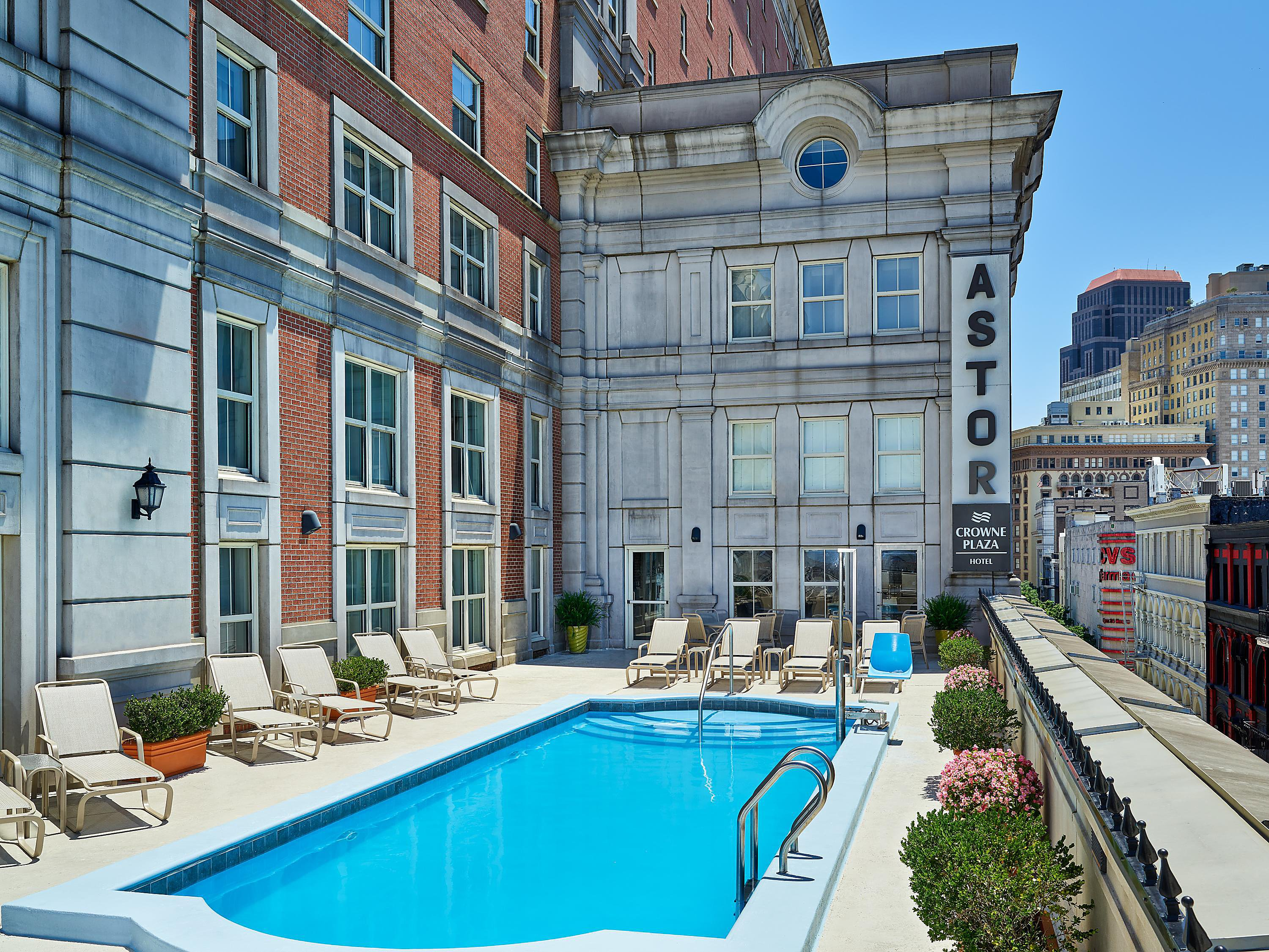 Crowne Plaza New Orleans French Quarter Disabled Accessible Rooms Facilities