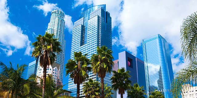 View hotels in Los Angeles