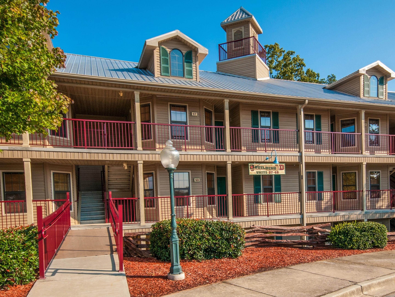 City Of Clarkesville Ga Christmas 2021 Holiday Inn Club Vacations Apple Mountain Resort Hotel By Ihg