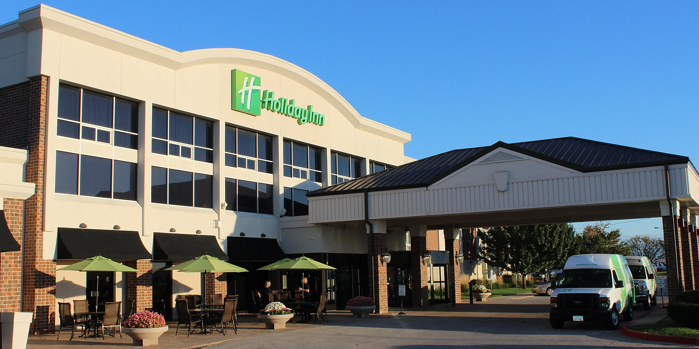 Des Moines Hotels Near Adventureland Holiday Inn Des Moines Airport Conf Center