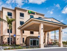 Holiday Inn Express & Suites 博因顿海滩