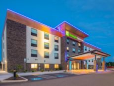Holiday Inn Express & Suites Camas- Vancouver