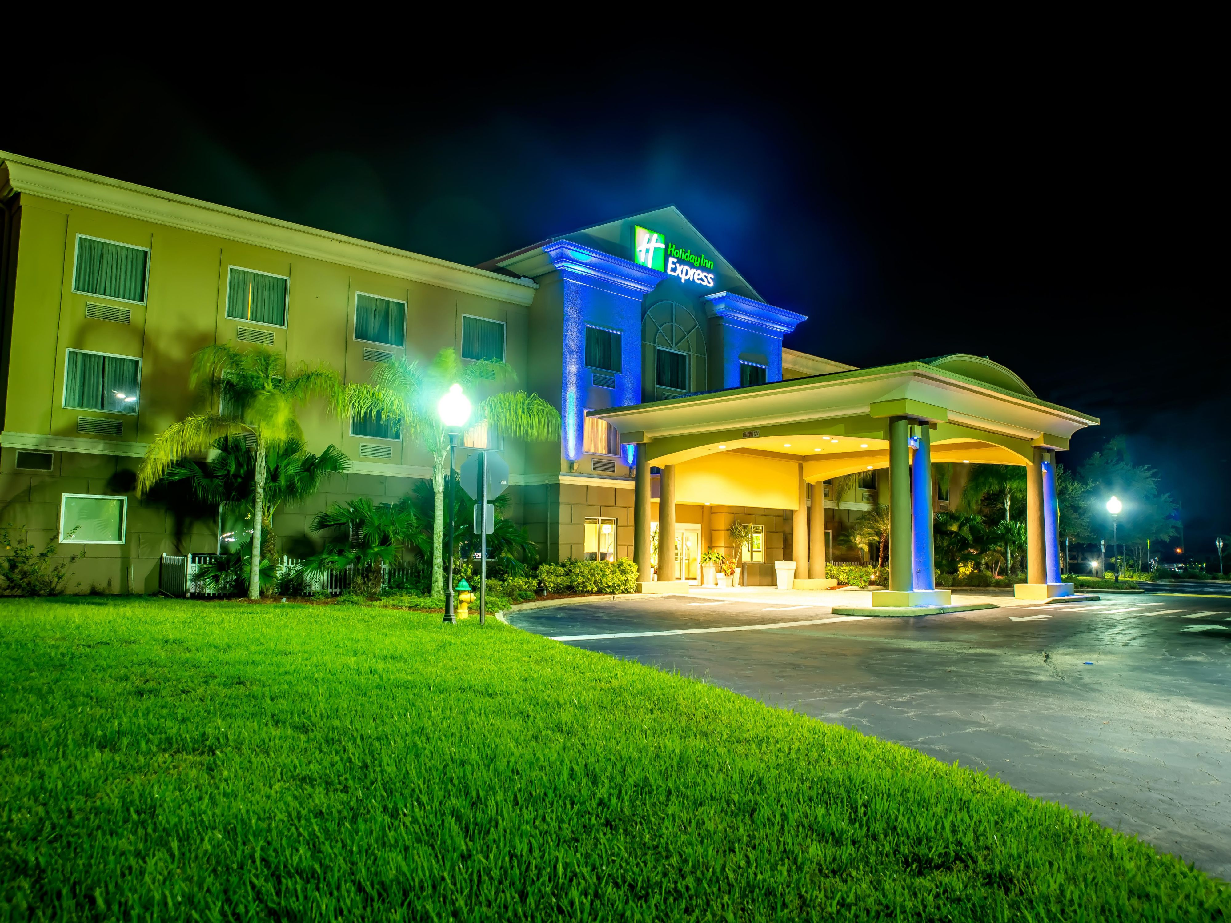 Holiday Inn Express Suites Cocoa Hotel By Ihg