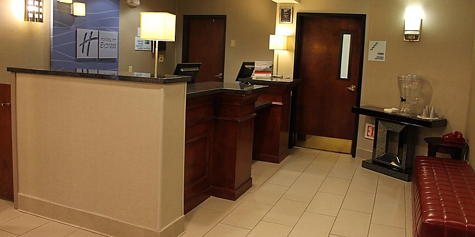 Hotels Near Colorado Springs Airport Holiday Inn Express Colorado Springs Airport