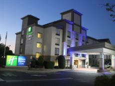 Holiday Inn Express & Suites 夏洛特康和I - 85