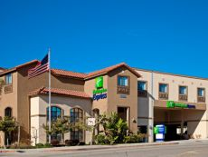 Holiday Inn Express & Suites 何尔摩沙海滩