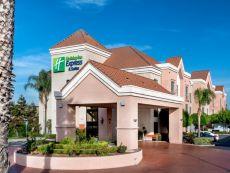 Holiday Inn Express & Suites Lathrop - 南顿