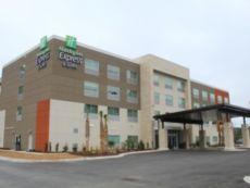 Holiday Inn Express & Suites Latta