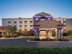 Holiday Inn Express & Suites Lavonia