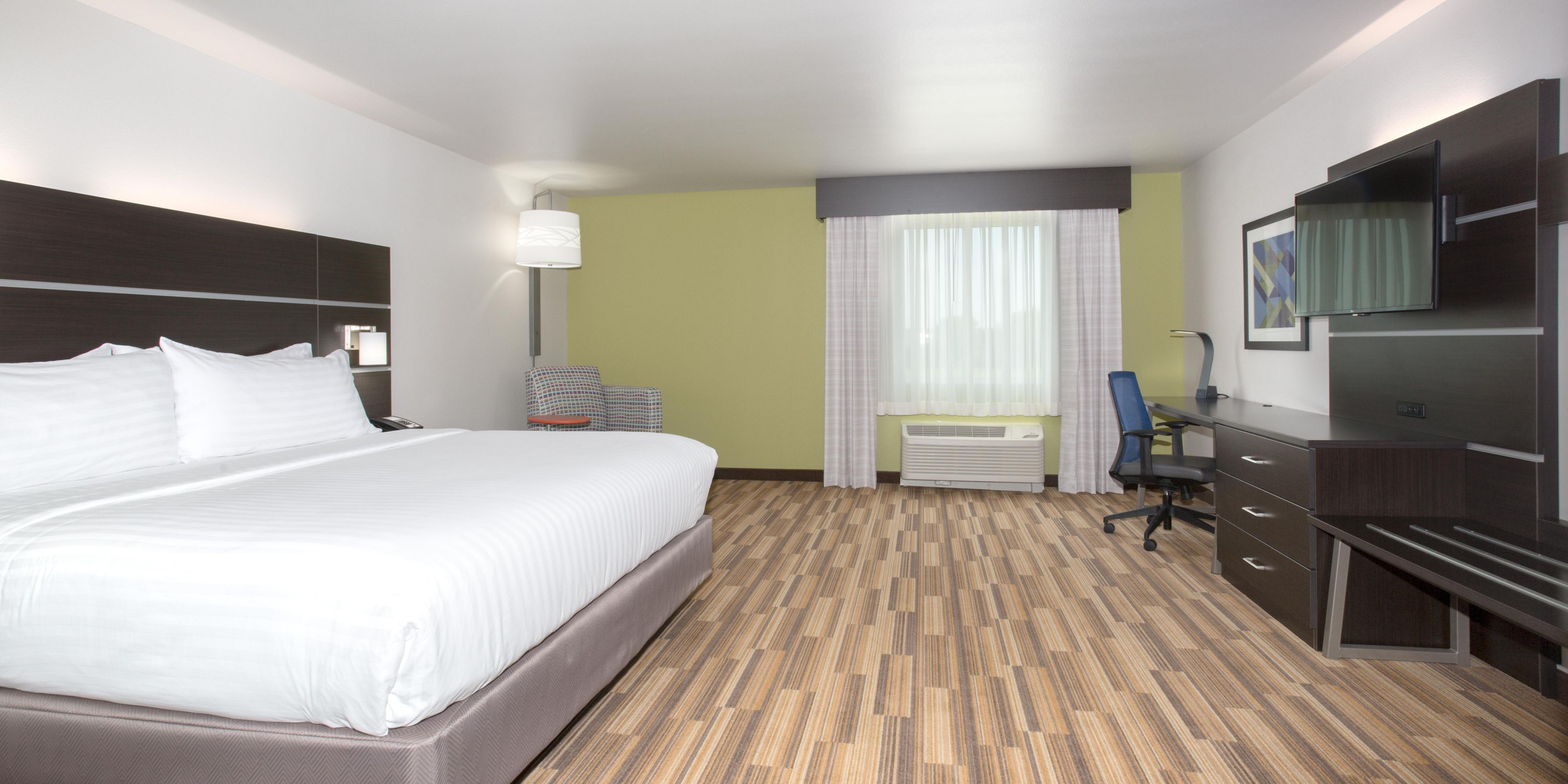 Hotel in Lincoln near Pinnacle Bank Arena  Holiday Inn Express