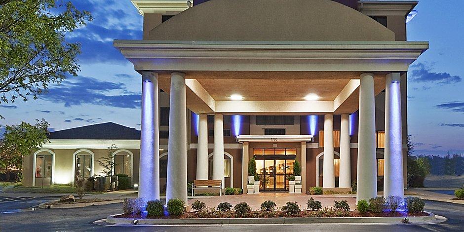 Hotels near Bricktown, Oklahoma City | Holiday Inn Express