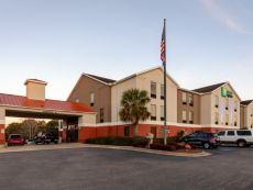 Holiday Inn Express & Suites Milton East I-10