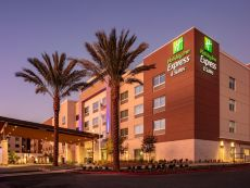 Holiday Inn Express & Suites Moreno Valley - Riverside