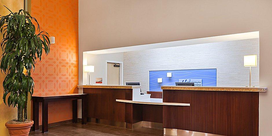 Hotels In Morgan Hill Ca Near Gilroy Ca Holiday Inn Express Suites San Jose Morgan Hill