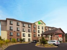Holiday Inn Express & Suites Newport
