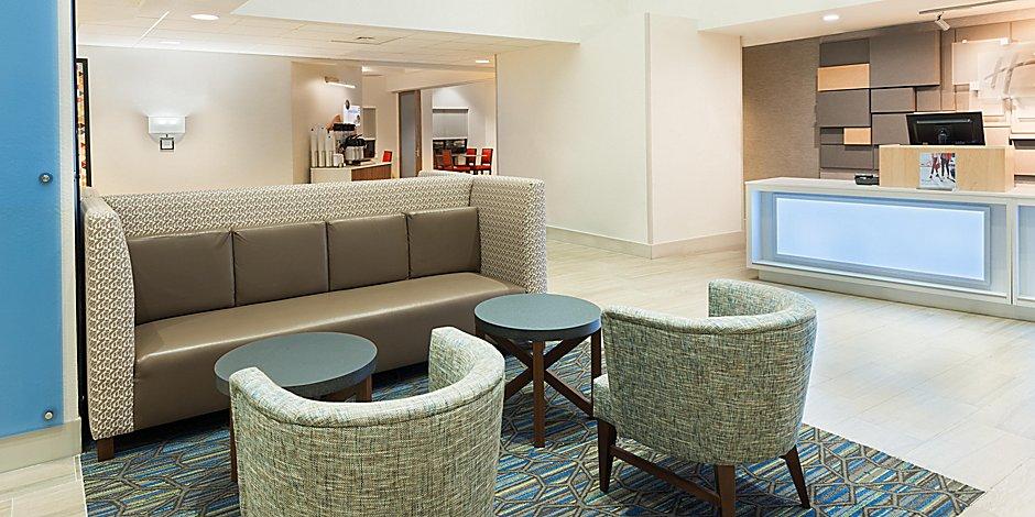 Universal Studios Orlando Hotels Holiday Inn Express Suites Nearest Universal Orlando