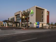 Holiday Inn Express & Suites North Phoenix - Happy Valley