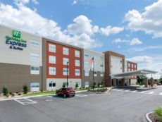 Holiday Inn Express & Suites Ruskin - Sun City