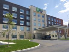 Holiday Inn Express & Suites Toledo West