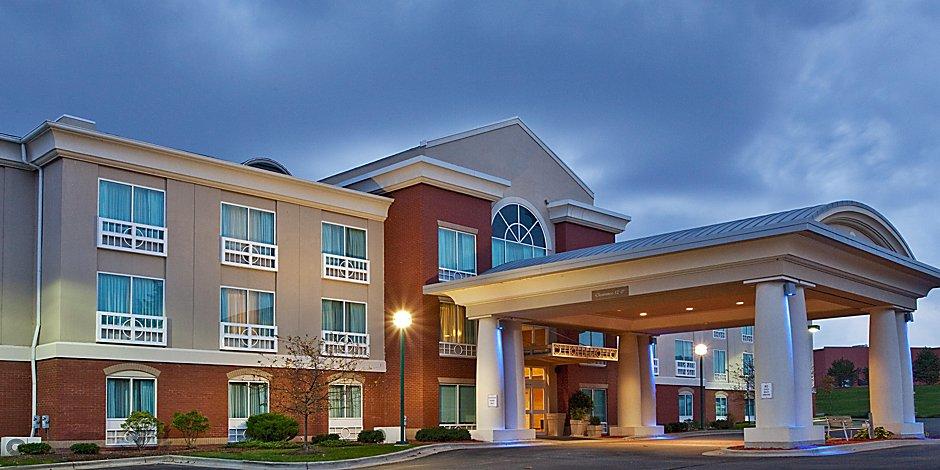 Grand Rapids Hotel near Van Andel Arena | Holiday Inn Express & Suites Grand  Rapids-North