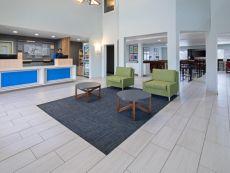 Holiday Inn Express & Suites 沃森维尔