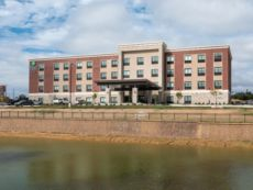 Holiday Inn Express & Suites Wentzville St Louis West