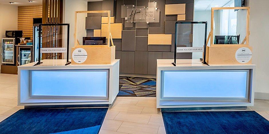 hotel in west allis wisconsin holiday inn express suites milwaukee west allis holiday inn express suites milwaukee
