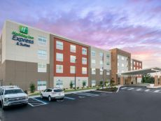 Holiday Inn Express & Suites Wildwood – The Villages