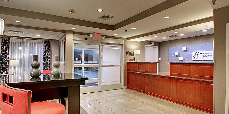 Holiday Inn Express Hurricane Mills Waverly Hotel By Ihg