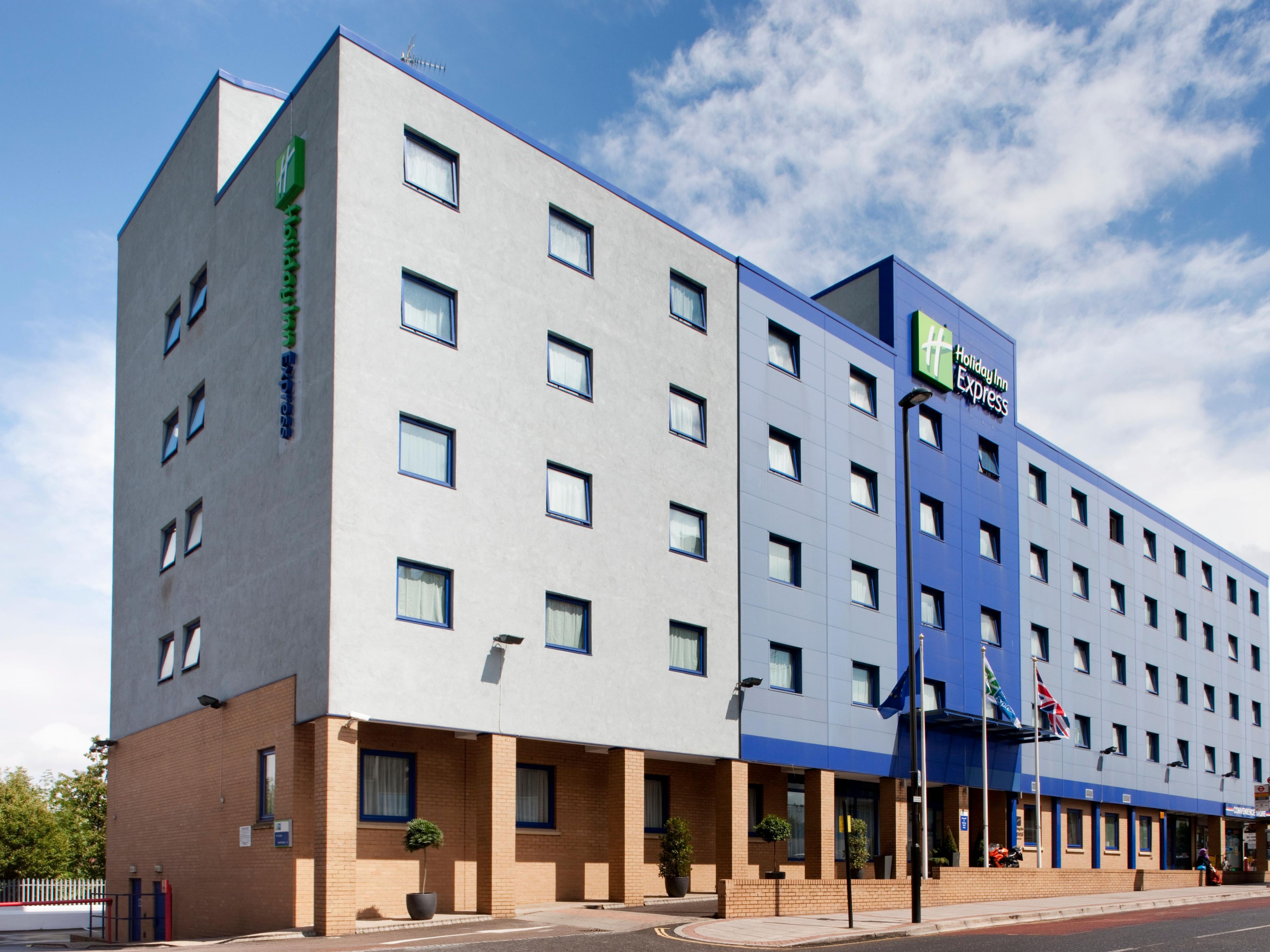 Holiday Inn Express Surrey Hotels | Cheap Hotels in Surrey by IHG