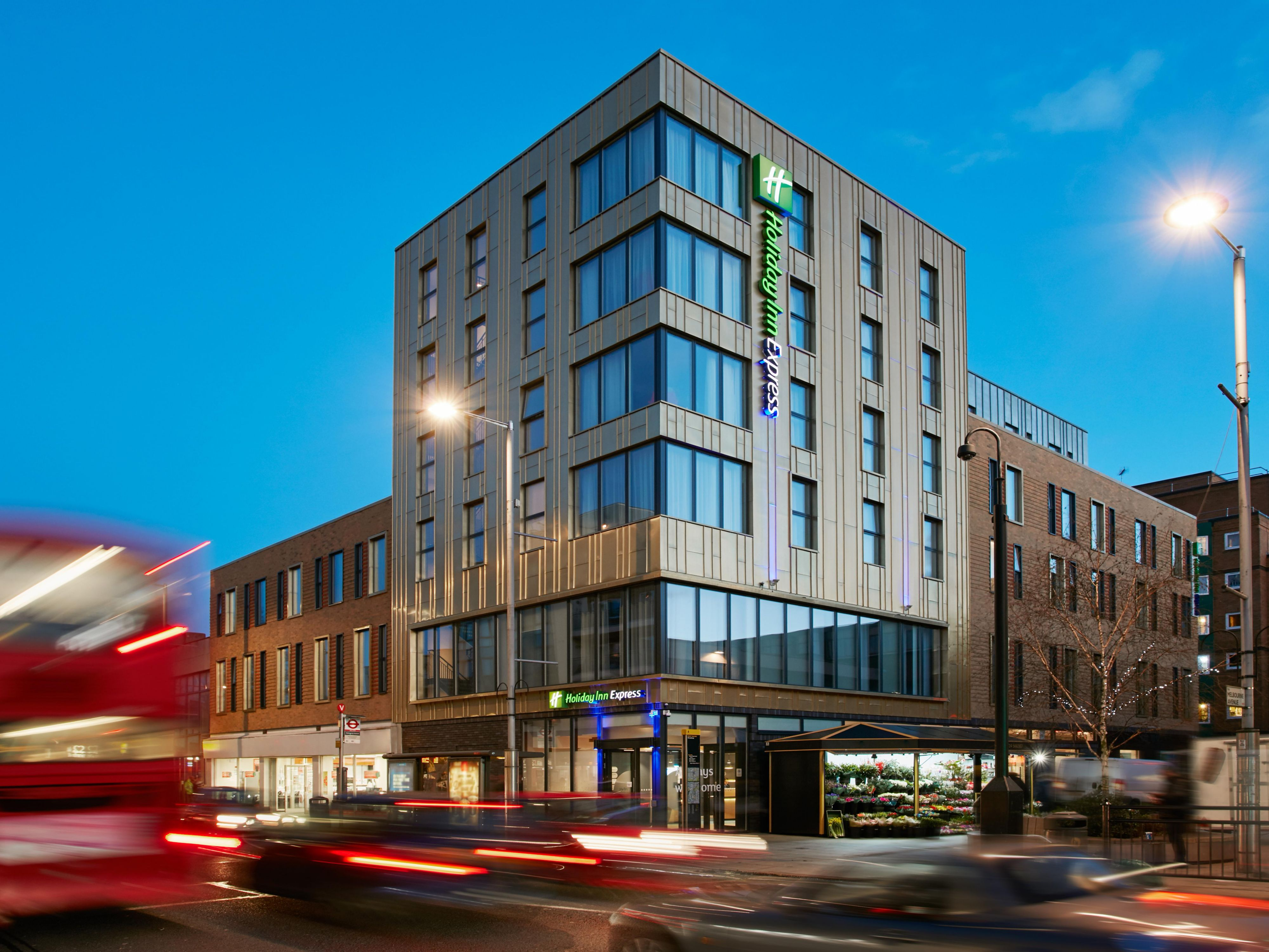 Holiday Inn Express London Hotels | Budget Hotels in London by IHG