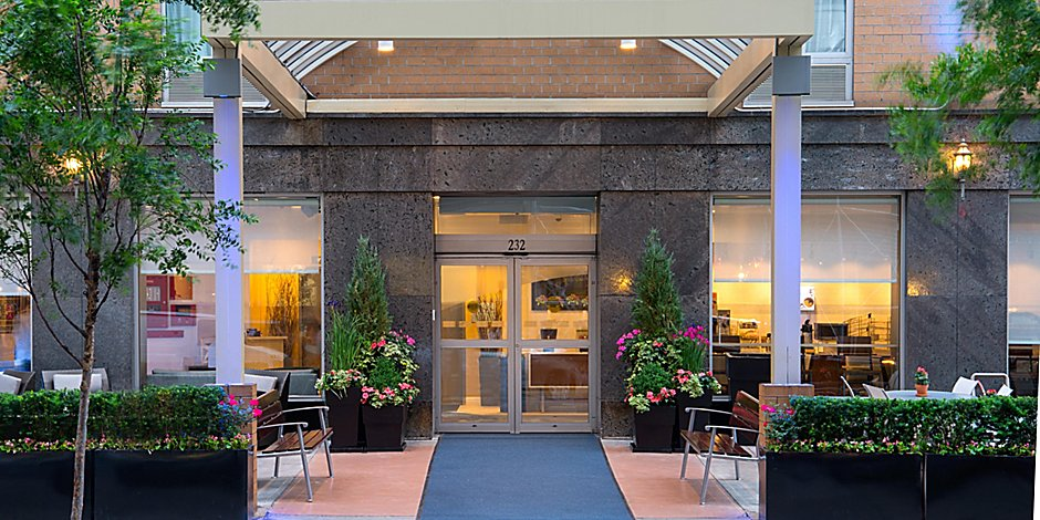 Midtown Hotels Near Madison Square Garden Holiday Inn Express Nyc Chelsea