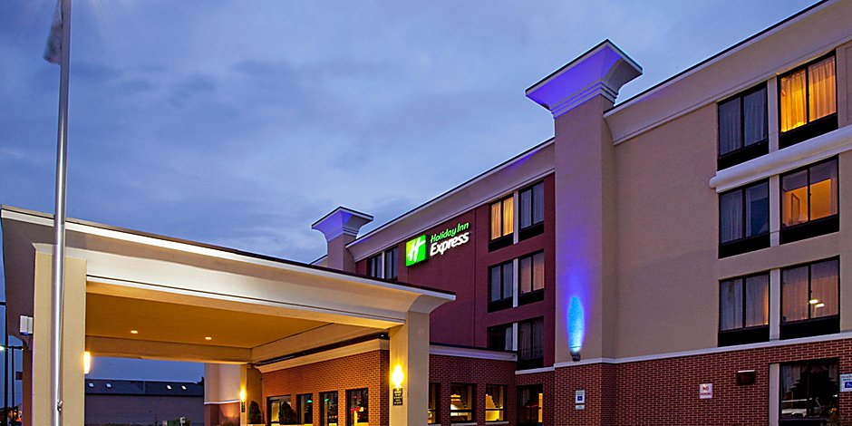 Affordable Hotels In Rochester Ny Holiday Inn Express Rochester Greece