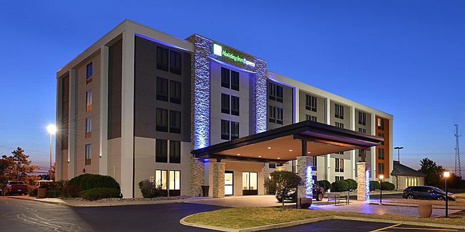 University Of Rochester Hotels Holiday Inn Express Rochester University Area
