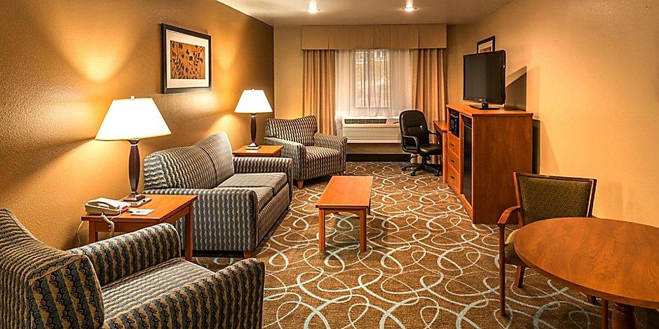 Holiday Inn Express Winnemucca Hotel By Ihg, Round Table Winnemucca Nv