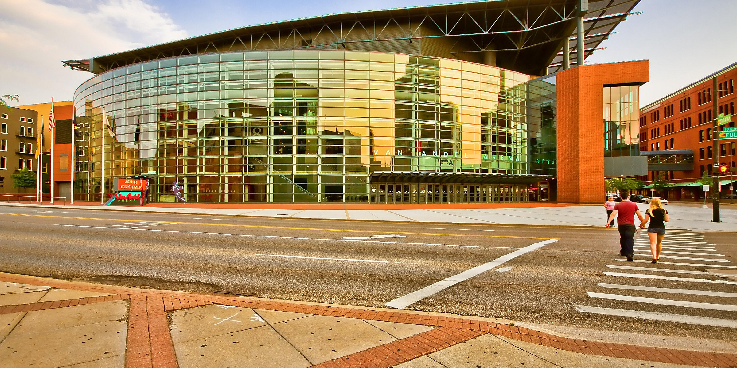 Downtown Hotel near Van Andel Arena | Holiday Inn Grand Rapids Downtown