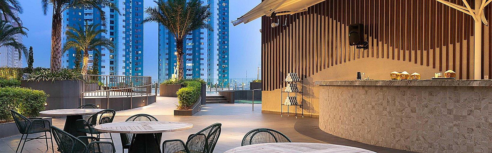 Restaurants Near Holiday Inn Hotel Suites Jakarta Gajah Mada