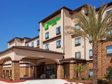 Holiday Inn & Suites Lake Charles South