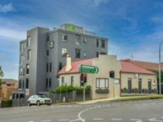 Holiday Inn & Suites Parramatta Marsden Street