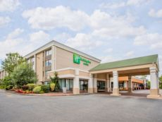 Holiday Inn & Suites Parsippany Fairfield