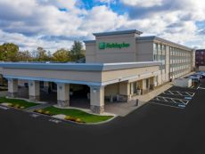 Holiday Inn & Suites Boston-Peabody