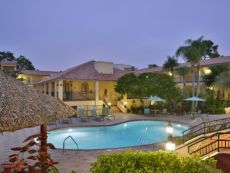 Holiday Inn & Suites Tampa N - Busch Gardens Area